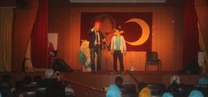 Taşlıçay'da Kişisel Gelişim Tiyatro gösterisi yapıldı