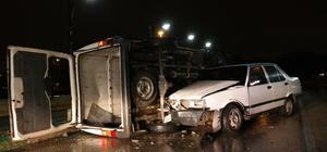 Otomobil devrilen minibüse çarptı: 4 yaralı