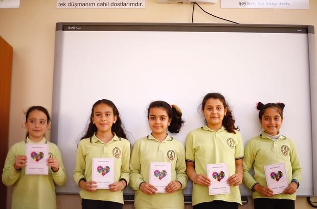 Kız öğrencilerden duygulandıran kahramanlık şiirleri