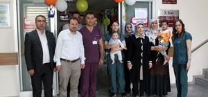 Hasta çocuklara 23 Nisan kutlaması