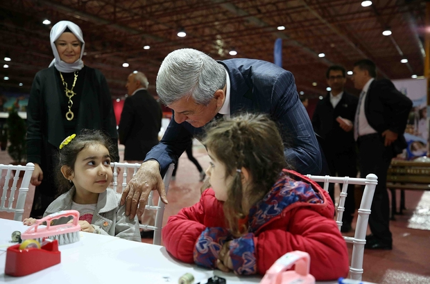 Başkan Karaosmanoğlu: ''Bilimin peşinden koşacak heyecanı veriyoruz''