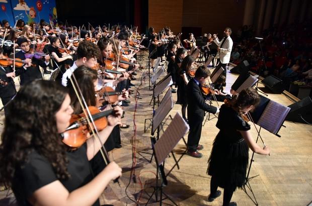 Kepez'de 200 çocuktan müzikli 23 Nisan kutlaması