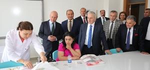 Çolakbayrakdar, Vali Kamçı'ya Kocasinan Akademi'yi tanıttı