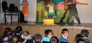 Gezici çocuk tiyatrosu Çankaya yollarında