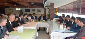 Başkan Toltar mahalle muhtarlarıyla bir araya geldi