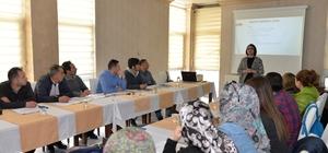 Bakkallara eğitim semineri