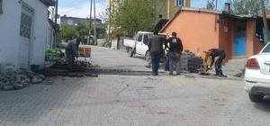 Gebze'de bozulan yollarda yama ve onarım çalışması