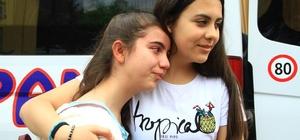 Misafir öğrenciler gözyaşlarıyla ülkelerine dönüyor