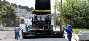Aliağa'da asfaltlama çalışmaları sürüyor