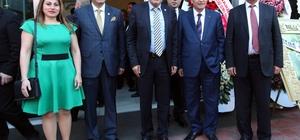 TÜSİAV'dan Yenimahalle Belediye Başkanı Yaşar'a özel ödül