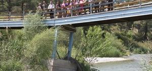 """Mahalle halkının köprü isyanı  """"Sırat Köprüsü'nden geçiyoruz"""""""
