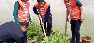 TEMA öğrencilere doğa sevgisi aşılıyor