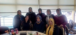 Başkan Çelik'in eşi İkbal Çelik, Ak Partili kadınlarla bir araya geldi