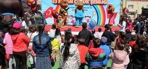 AVM'de çocuklar doyasıya eğlendi