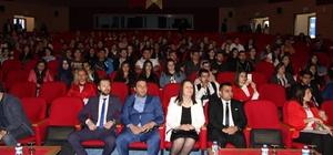 Üniversite öğrencilerine E-Girişimcilik ve Kariyer Zirvesi