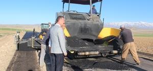iğde'de köy yollarına sıcak asfalt atılıyor