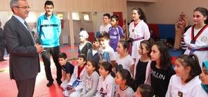 Başkan Köşker, genç tekvandocuları ziyaret etti