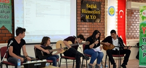 Engelli müzik grubundan üniversite öğrencilerine konser