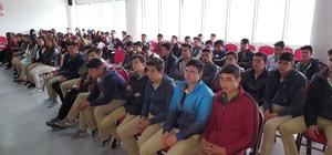 Gördes'te lise öğrencilerine meslek tanıtım semineri