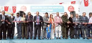 Bağlar Halı Saha Spor Kompleksi törenle açıldı