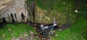 Otomobil dere yatağına devrildi: 3 ölü, 1 yaralı