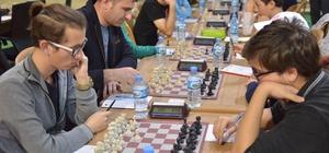 Yıldırım'da satranç şöleni