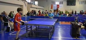 Ortaca'da Küçükler Masa Tenisi Türkiye Grup Müsabakaları yapılıyor