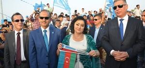 Azerbaycan Kerkük'e ses verdi
