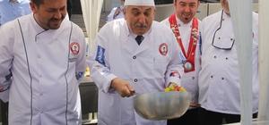 Başkan Yılmaz, Uluslararası Mutfak Günlerinde hünerlerini sergiledi
