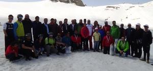 Hakkari'de Valilik Kupası Kayak Yarışması düzenlendi