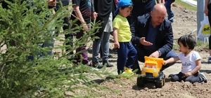 """Çolakbayrakdar, """"100 bin ağacı toprakla buluşturmayı hedefliyoruz"""""""