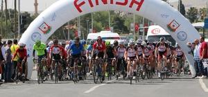 Bisiklet tutkunları Şanlıurfa'da yarıştı