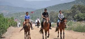 Köşk'te 3. Geleneksel Rahvan At Yarışları renkli geçti