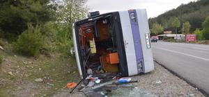 Antalyaspor taraftarlarını taşıyan otobüs devrildi: 3 yaralı