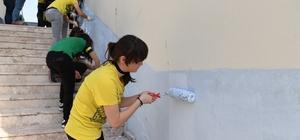 Konyaaltı Kent Gönüllüleri'nden okullara destek