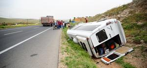 Gaziantep'te yolcu minibüsü devrildi: 7 yaralı