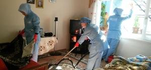 Yaşlıların evlerinde bahar temizliği