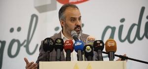 Alinur Aktaş Büyükşehir'e göz kırptı