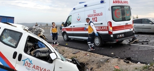 Kırıkkale'de hafif ticari araç ile kamyon çarpıştı: 1 ölü