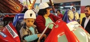 Özel gereksinimli öğrenciler oyun salonlarıyla buluştu