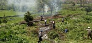 Köy sakinlerinden mezarlık temizliği