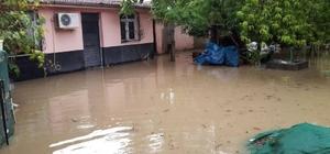 Kadirli'de sağanak yağış hayatı olumsuz etkiledi