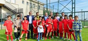 Pendik'te miniklerden nefes kesen futbol turnuvası