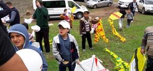 Çocuklar uçurtma şenliğinde bir araya geldi