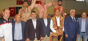 Kozan'da Güreş Festivali ve Zeynep Dizdar Konseri