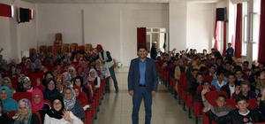 Başkan Acar, mesleki tecrübesini öğrencilerle paylaştı