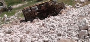 Hafriyat kamyonu uçuruma yuvarlandı: 1 yaralı