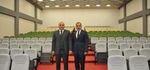 Vali Zorluoğlu, konferans salonu ve teşhir merkezini inceledi