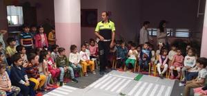 Niksar'da minik öğrencilere trafik eğitimi verildi
