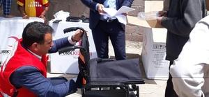 Ergani'de 20 engelliye tekerlekli sandalye dağıtıldı
